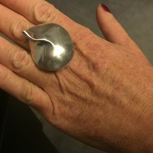 Gorgeous silver ring, statement piece by Uno de 50